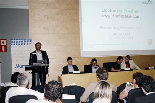 El Dr. Jesús Costa Vila presenta la Mesa redonda INNOVACIÓN Y INICIATIVA EMPRESARIAL SANITARIA