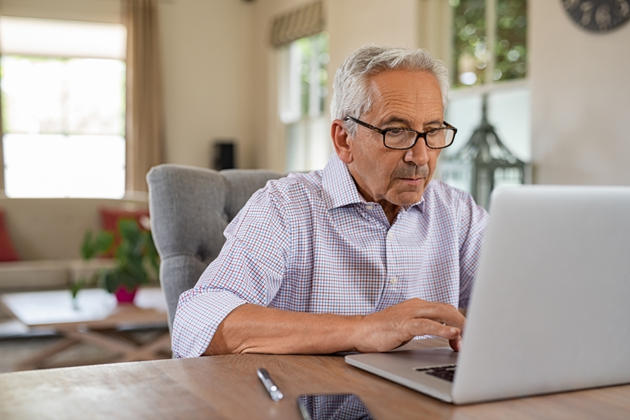 Internet ¿qué me pasa? Uno de cada tres españoles utiliza Internet para autodiagnosticarse la vista