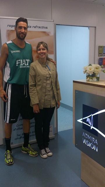 Chequeo oftalmológico al equipo de basket del FIATC Joventut