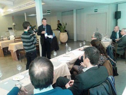 Exitosa ponencia del Dr. Costa en Facoelche sobre repercusiones del incremento de IVA sanitario