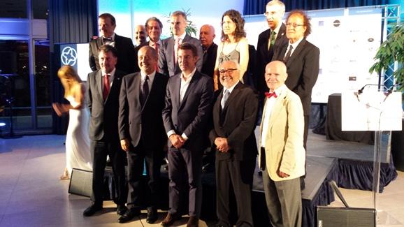 El Dr. Jesús Costa Vila recibe el Título a la Excelencia en Medicina y Ciencias 2015 de la AEGA-CAT